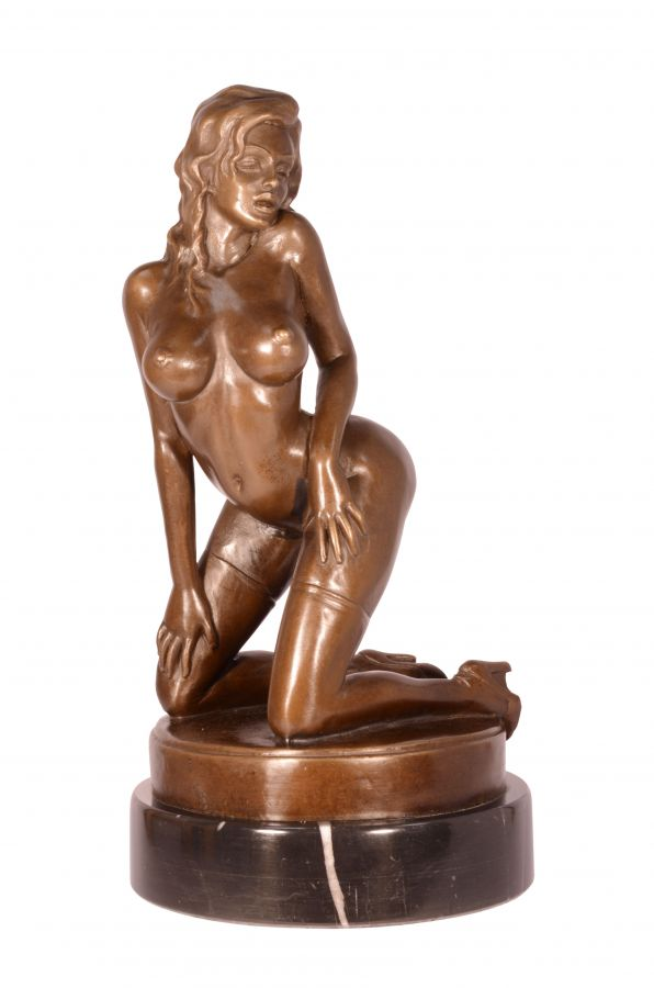 Bronze statue of a sexy girl in stockings BrokInCZ