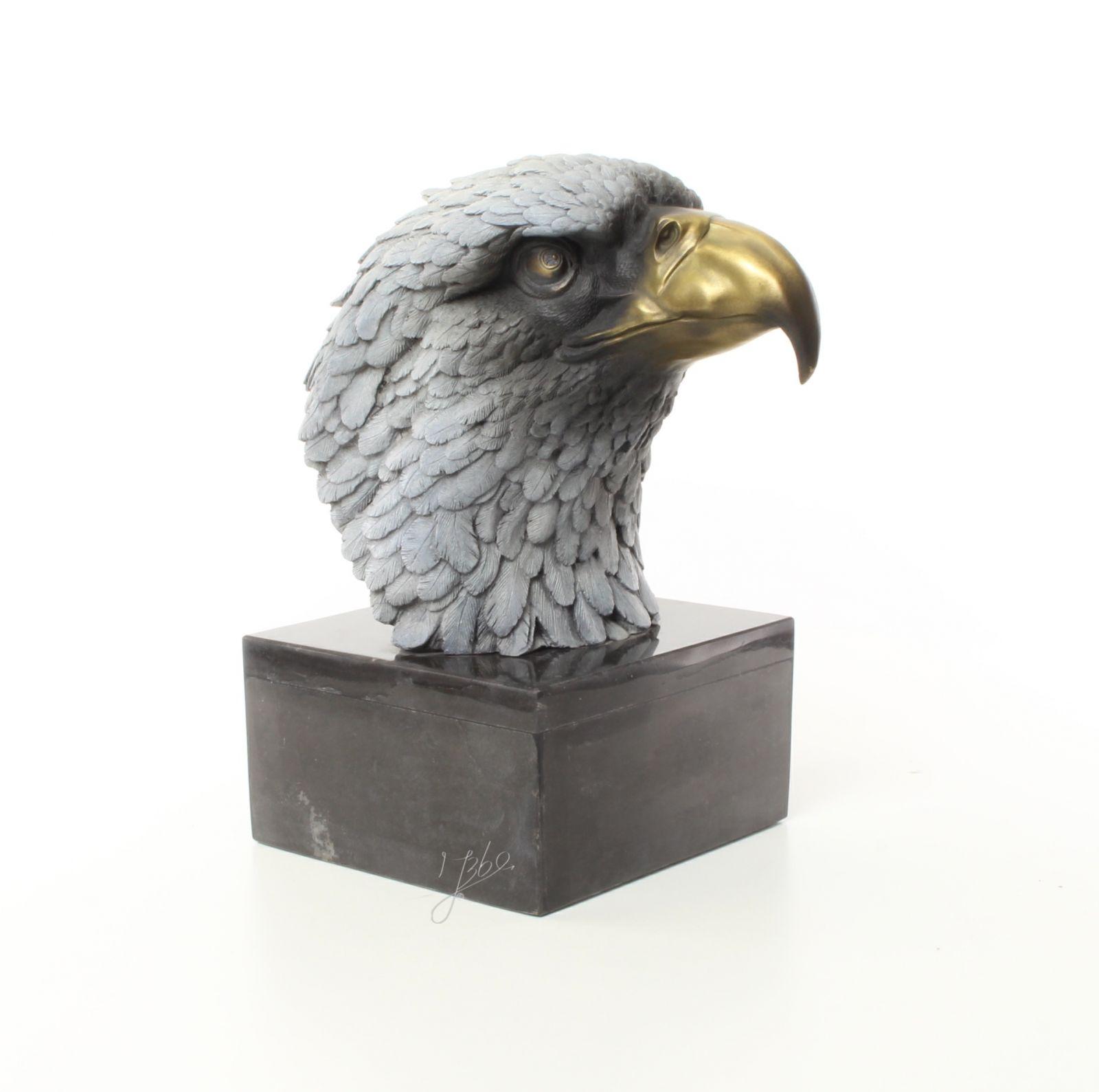 Eagle head made of bronze BrokInCZ