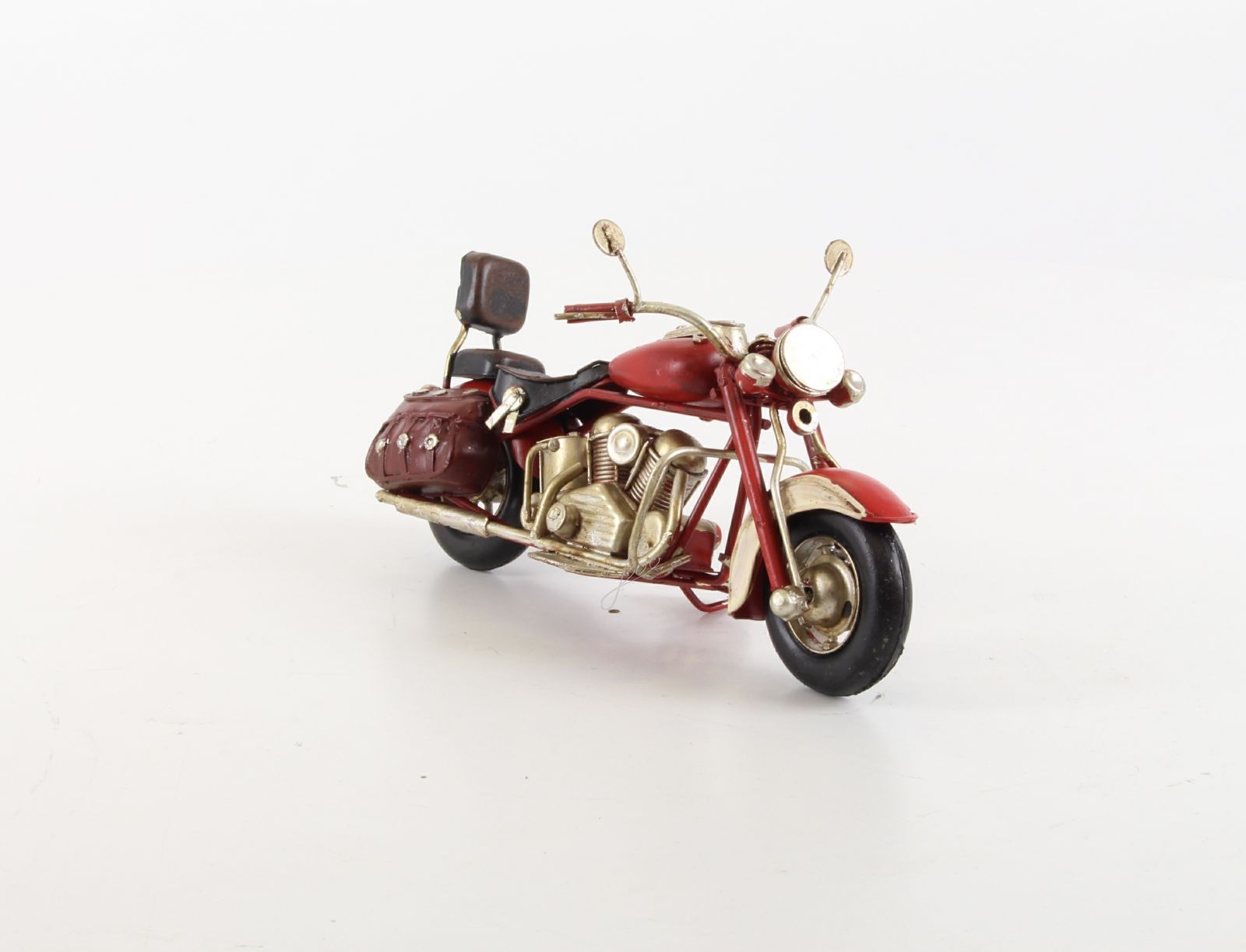 A TIN MODEL OF A MOTORCYCLE RETRO BrokInCZ