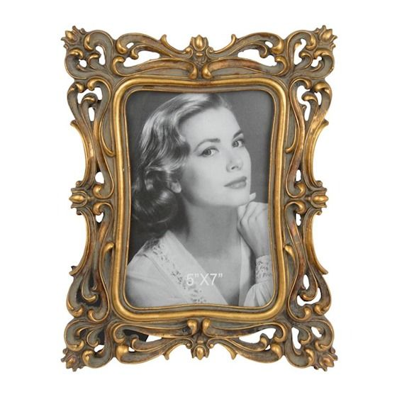 a retro photo frame 2