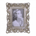 a Retro photo frame 4