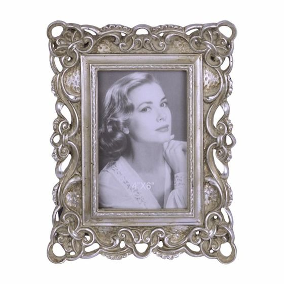 a retro photo frame 4 BrokInCZ