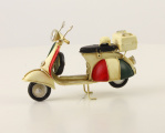 A TIN MODEL OF A SCOOTER BrokInCZ