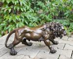 Lion bronze statue BrokInCZ