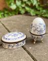 set of two porcelain caskets BrokInCZ