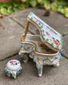 Piano made of porcelain BrokInCZ