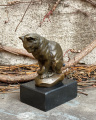 Figurine of a cat made of bronze