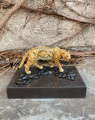 Figurine of a jaguar made of bronze